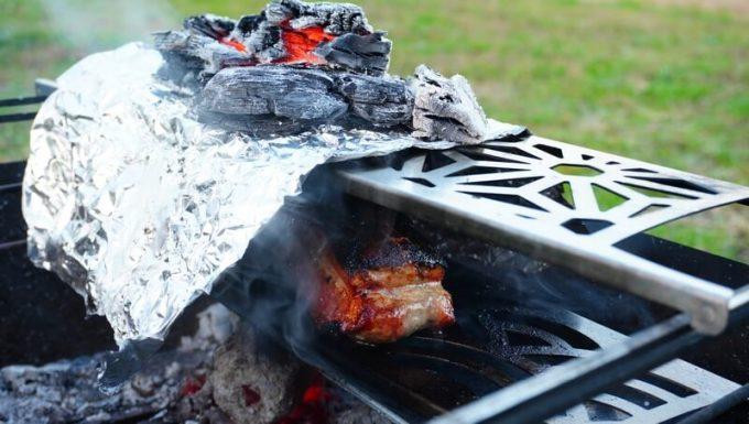 ラプカで豚ブロック肉の丸焼き中