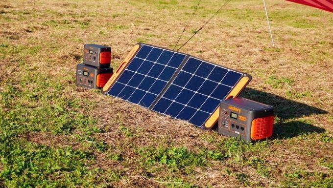 Jackeryのソーラーパネル(SolarSaga100)