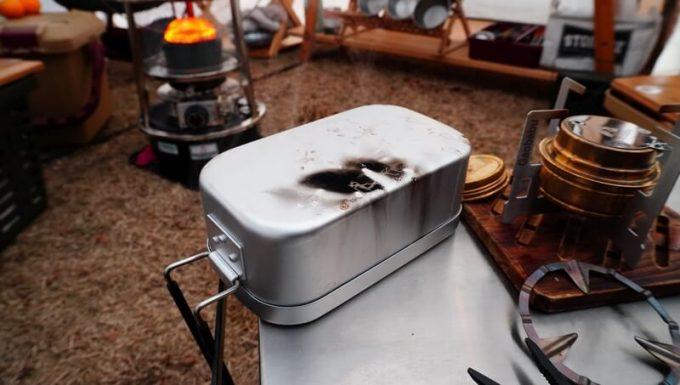 8Aガレージ スリップメステインで炊飯 蒸らし