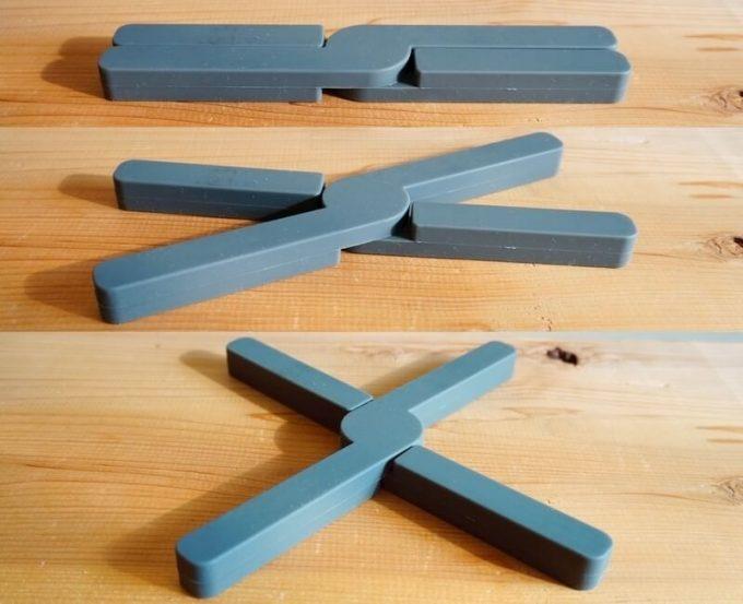 折りたたみ式耐熱シリコン鍋敷の折り畳み方法