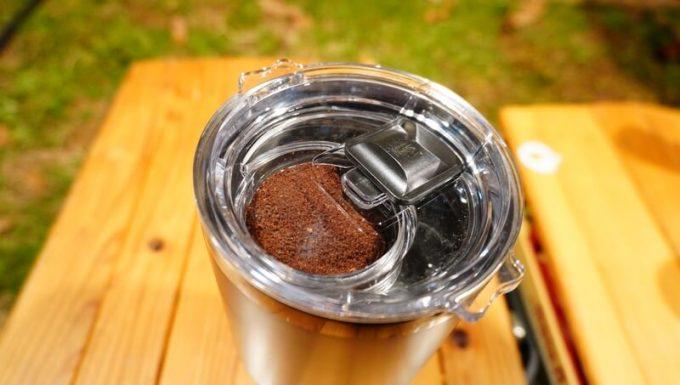 マスターマインド コールドブリュー タンプラーで水出しコーヒーを淹れる手順 水出し開始