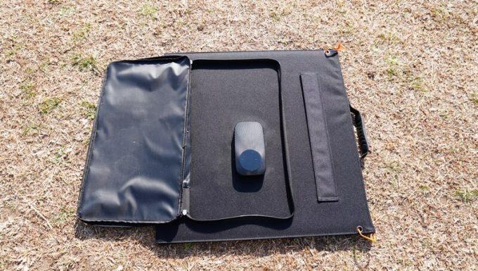 BigBlueソーラーパネル120Wのポケット