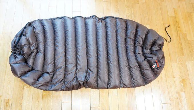 ナンガ(NANGA)の封筒寝袋のテーパードシェープ