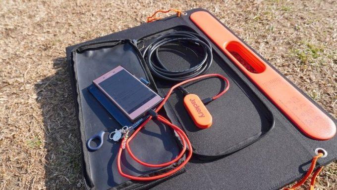 SolarSaga 60 Proでスマホが充電できる