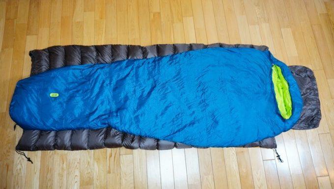 ナンガ(NANGA)の封筒寝袋とマミー型寝袋のシルエット比較