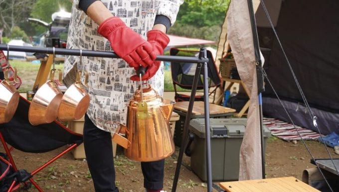 アウトドア手袋 Elmer Joy とキャンプギア
