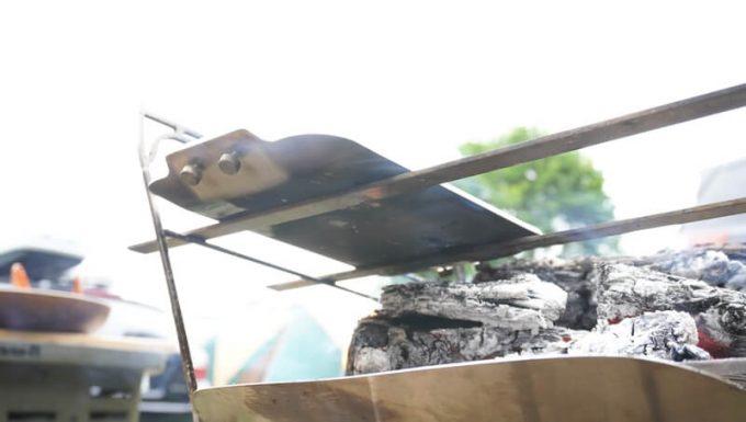 モジュラーグリルプレートを焚き火台の五徳で使う