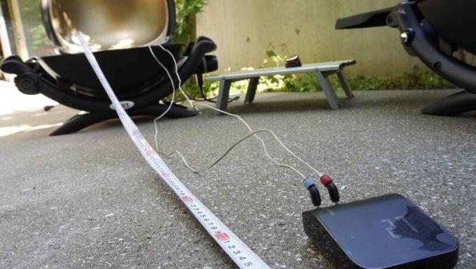 Weber Connect スマートグリルハブの温度計の長さ 斜めから