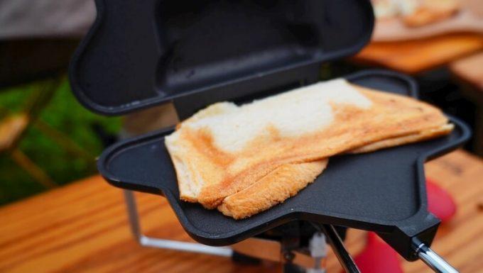 ホットサンドメーカーPOLYGONで焼いたパンの耳