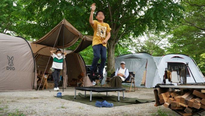 REDHiLLトランポリンで跳ぶ 小学5年生
