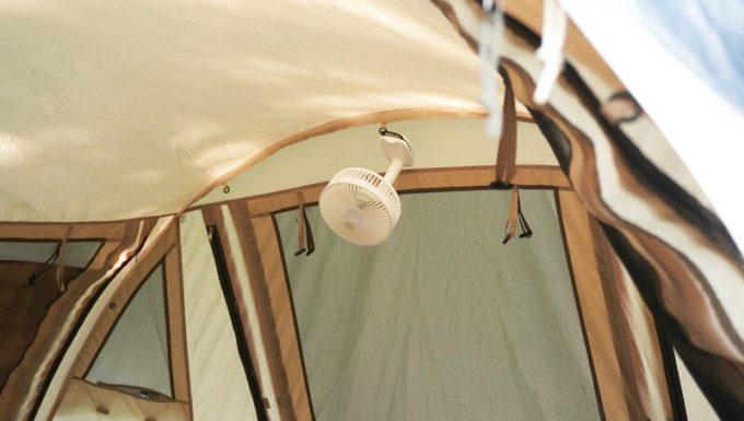 リスカイ扇風機をテント内に吊るす
