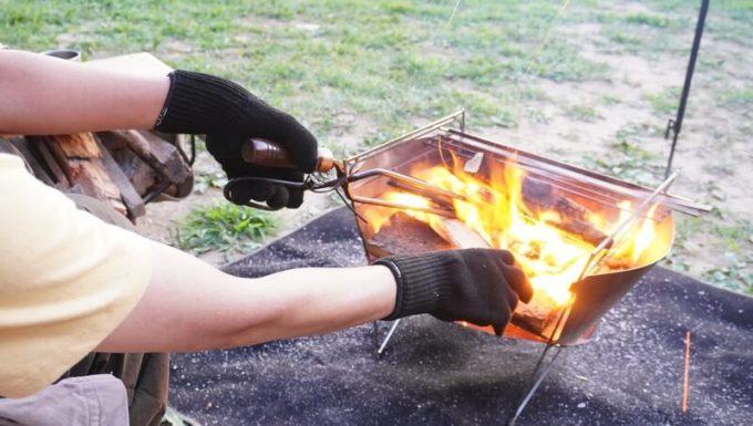 ファイヤーグローブで焚き火