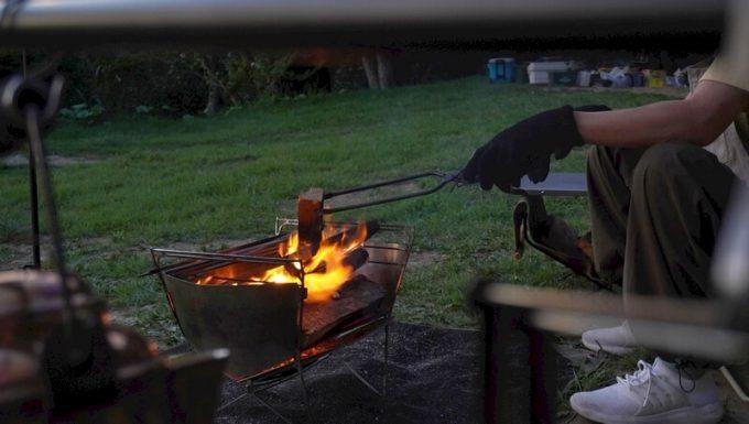 焚き火シート MATERIUM SHEETとファイヤーグローブ