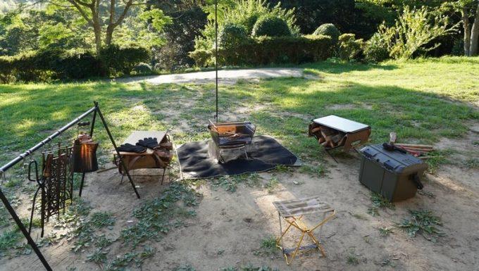 焚き火する場所に焚き火シート MATERIUM SHEETを使う