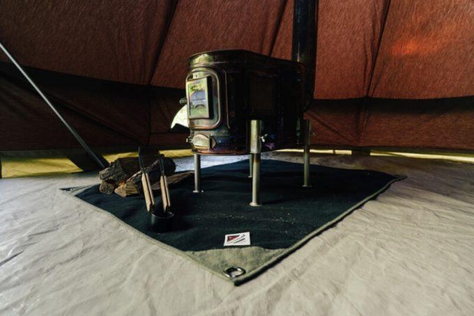 焚き火シート MATERIUM SHEETを薪ストーブで使う