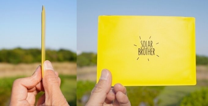SOLARBROTHERアドベンチャーキットの薄さ