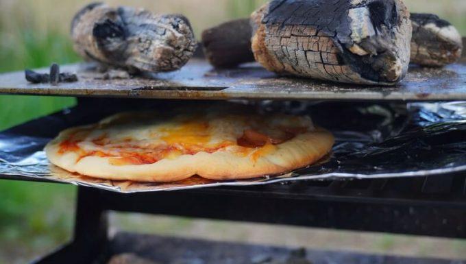 フェネックライトで焼いたピザ