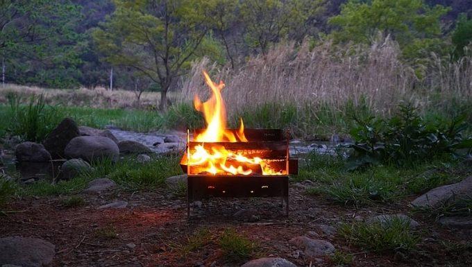 フェネックライトで焚き火