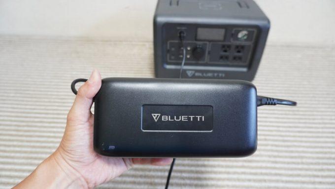 BLUETTIポータブル電源EB70のACアダプターのサイズ