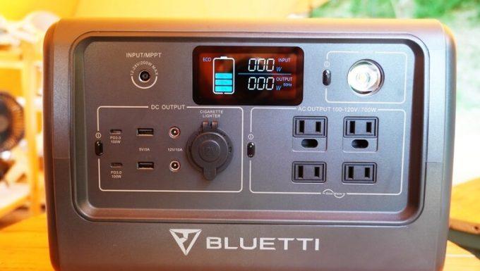 BLUETTIポータブル電源EB70の入出力端子