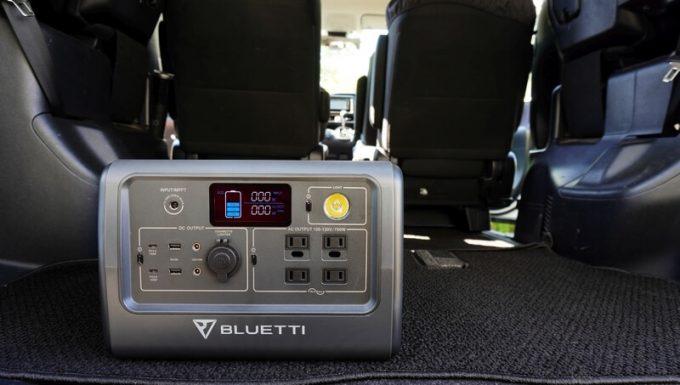 BLUETTIポータブル電源EB70をトランクに車載