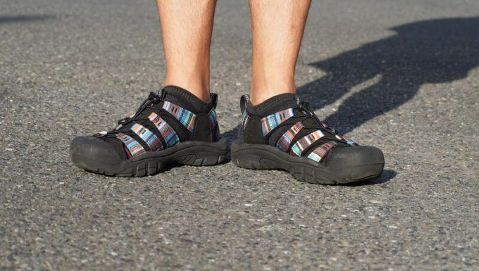 KEEN ニューポートエイチツーサンダルにスニーカーソックスを履くと靴