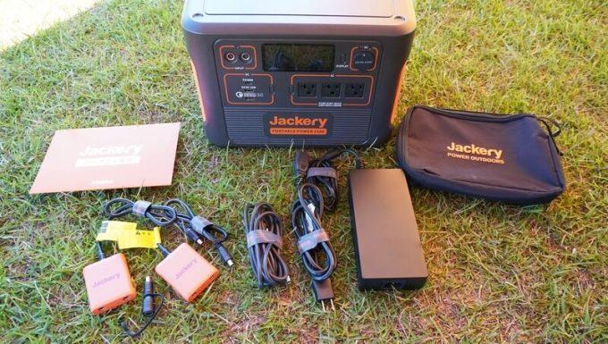 Jackeryポータブル電源1500(PTB152)の付属品