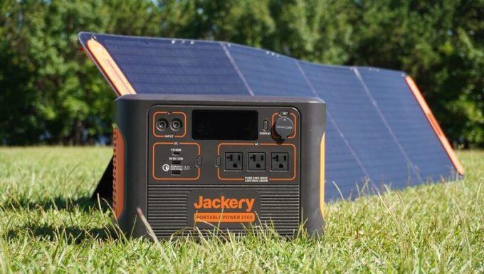 Jackeryポータブル電源1500(PTB152)とソーラーパネル(SolarSaga200)