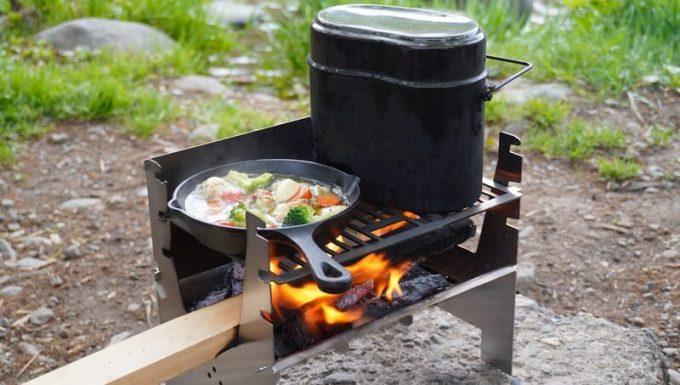 フェネックライトでスキレット調理と飯盒炊飯