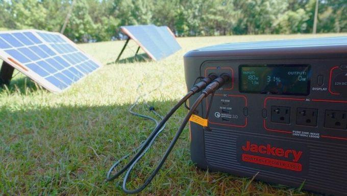 Jackeryポータブル電源1500(PTB152)のツインターボ充電(ソーラーパネル)