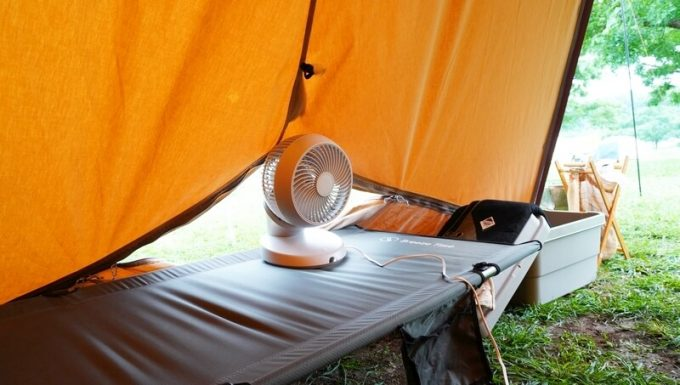 モダンデコ 3D サーキュレーターをテントのベンチレーションに向けて使う