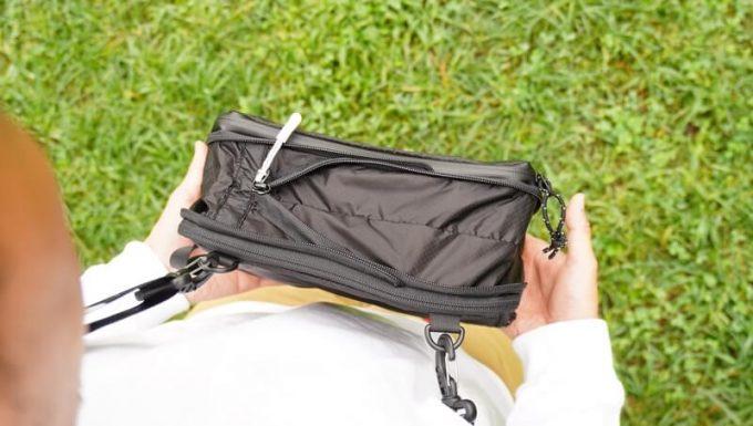圧縮バッグ PackBagマチを広げる
